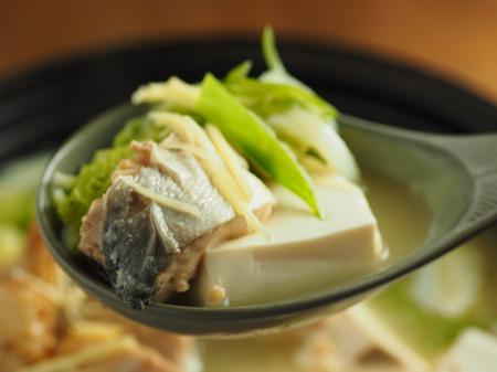 鮭缶水炊き、チキンラーメン041
