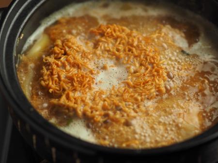 鮭缶水炊き、チキンラーメン053
