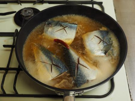 サバの味噌煮018