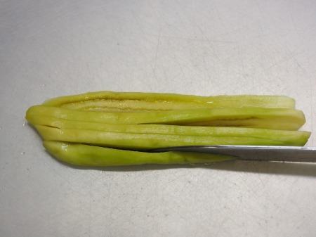 サラダチキンと蒸し茄子のごま069