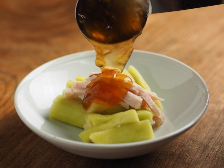 サラダチキンと蒸し茄子のごま010