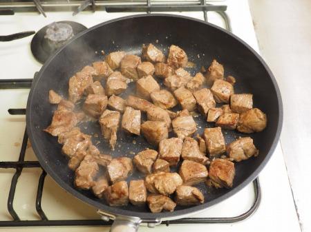 ミスジ肉サイコロステーキ042