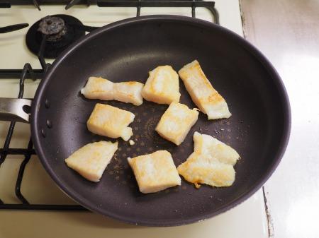 パンガシウスの蒲焼き丼049