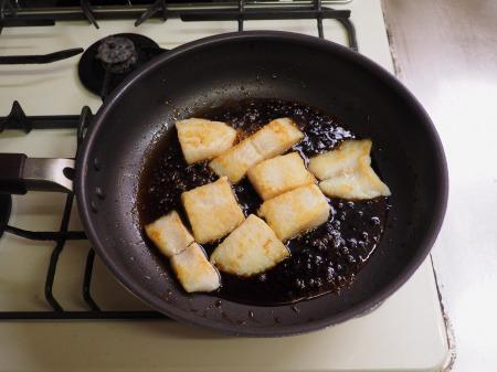 パンガシウスの蒲焼き丼058