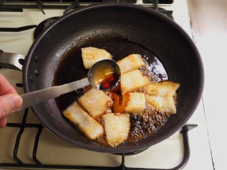 パンガシウスの蒲焼き丼060