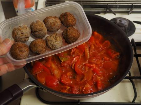 ミートボールのトマト煮046