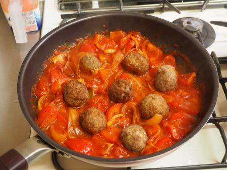 ミートボールのトマト煮048