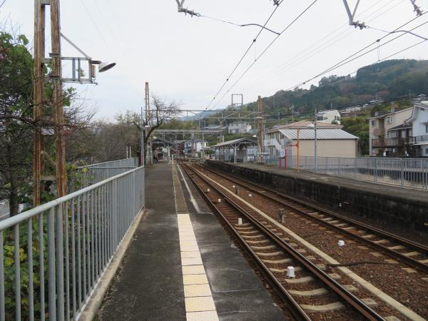学文路駅3