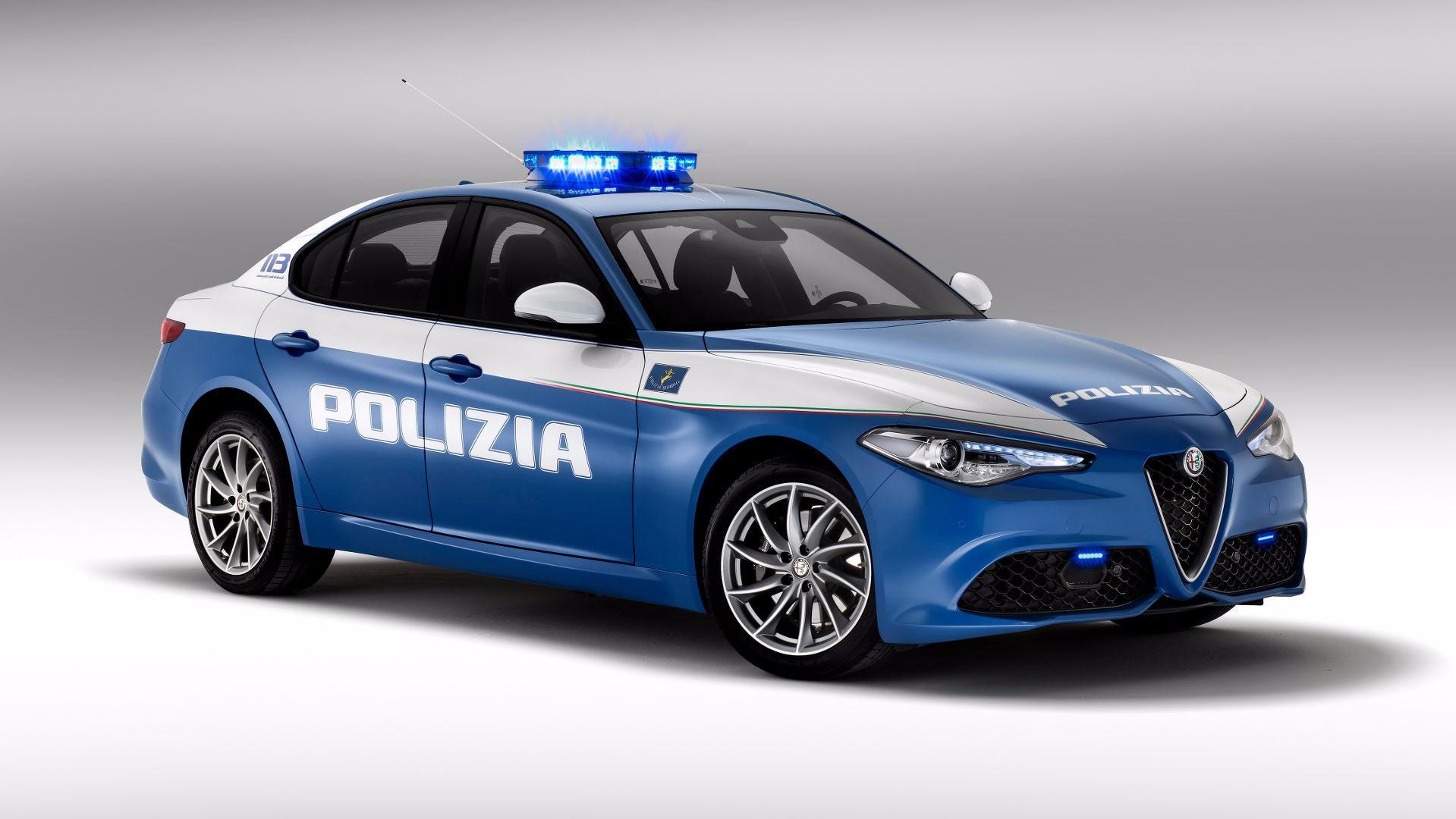 polizia-di-stato-alfa-romeo-giulia-giulietta-jeep-renegade (1)
