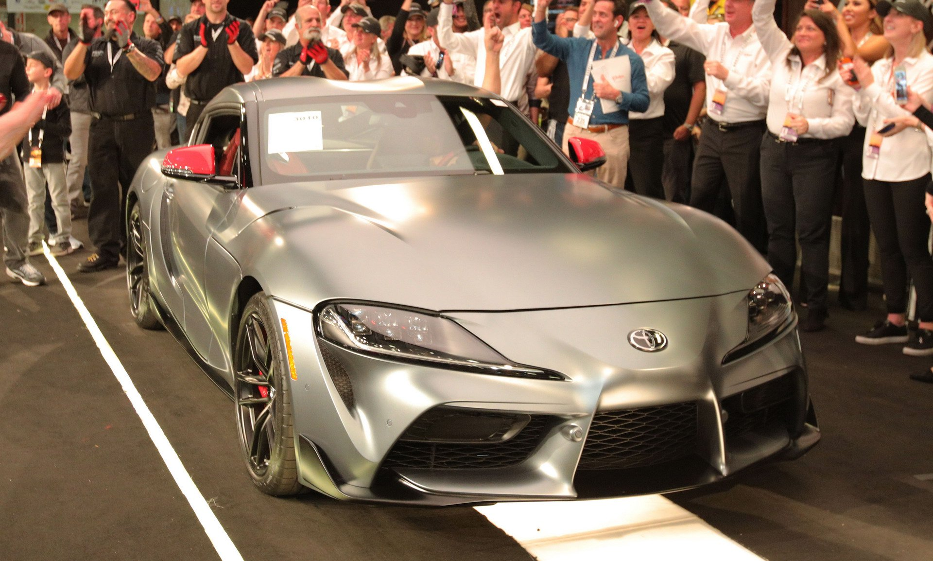 first-production-2020-toyota-supra-sold-at-auction (8)