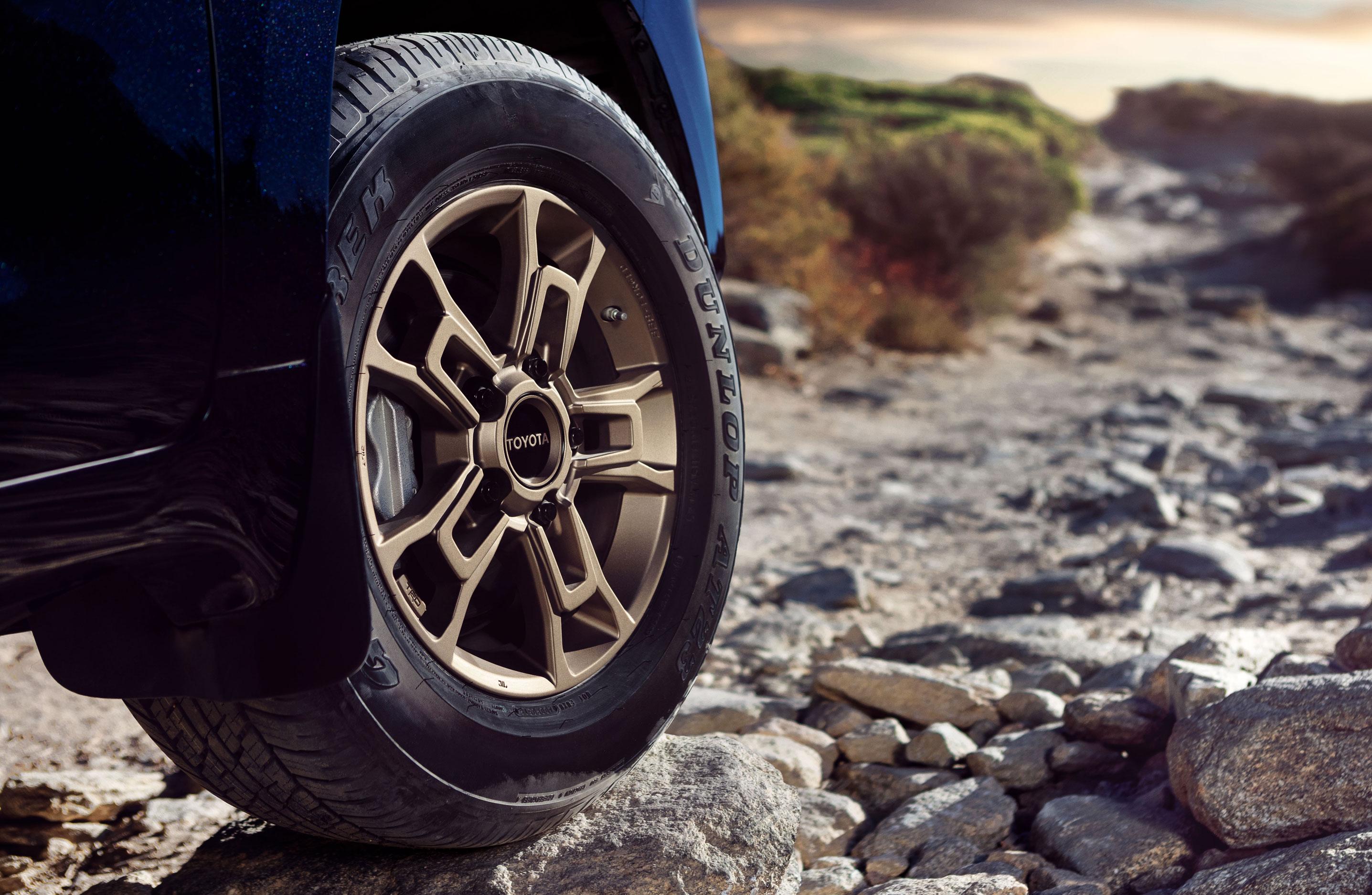 2020_Land_Cruiser_Heritage_Edition-wheels.jpg