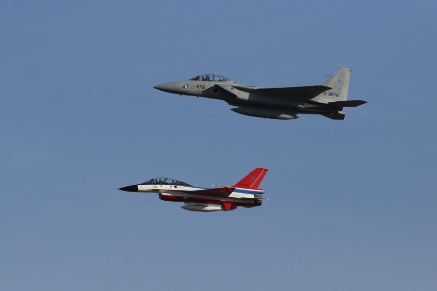 2018-11-18F-2戦闘機とF-15戦闘機269A6893