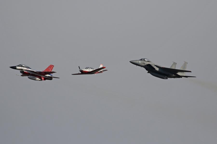 2018-11-18F-12、T-7練習機、F-15戦闘機007A0791