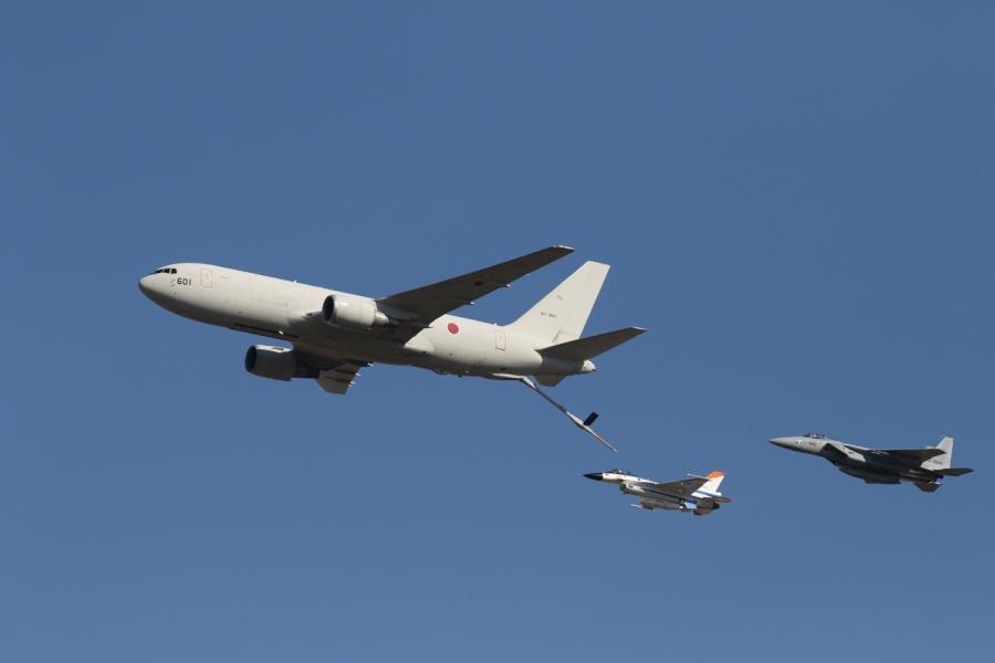 2018-11-18空中給油機KC-767007A1300