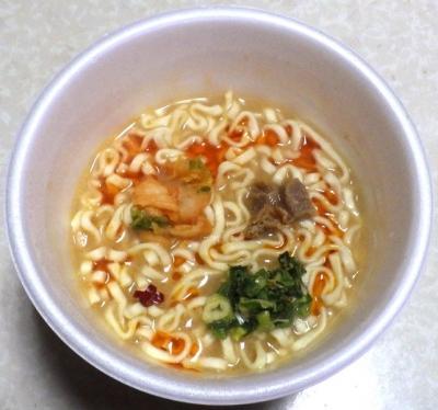 12/17発売 スーパーカップ1.5倍 ブタキムチーズ味うどん(できあがり)