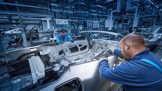 8series-convertible-production-start 897 (1)