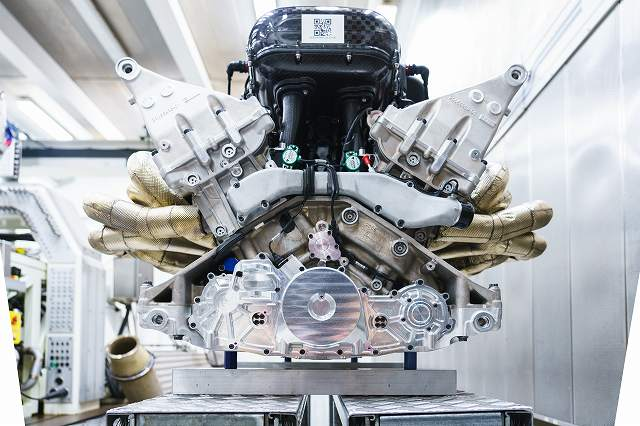 Aston_Martin_Valkyrie_Engine684876876 (4)