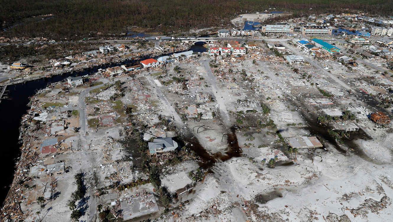 destruccionカテゴリー4マイケル台風通過後の父呂リーダー廃墟街20181011