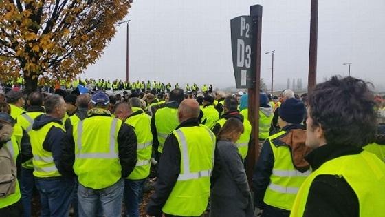 Gilets jaunes/黄色いヴェスト 抗議デモ