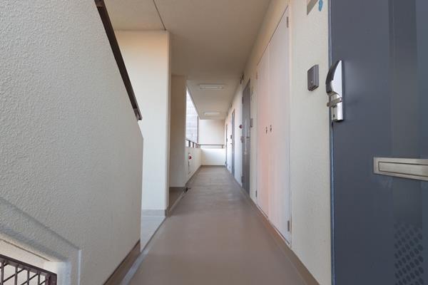 パルメーラ山手5階共用廊下