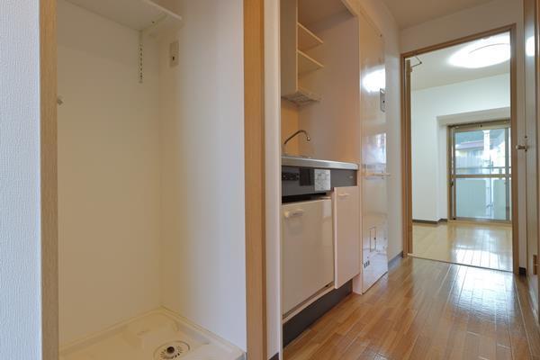 パルメーラ山手501号洗濯パンとキッチン