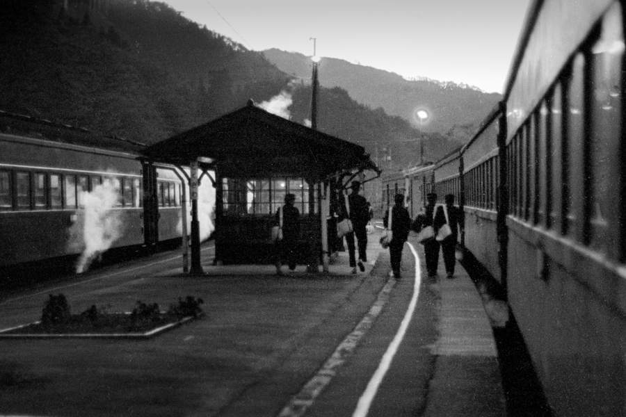 磐越西線 徳沢駅のホーム2 198年 月 日 16bitAdobeRGB原版 take1b