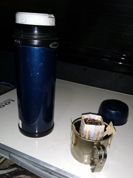 夜明け前のコーヒー02