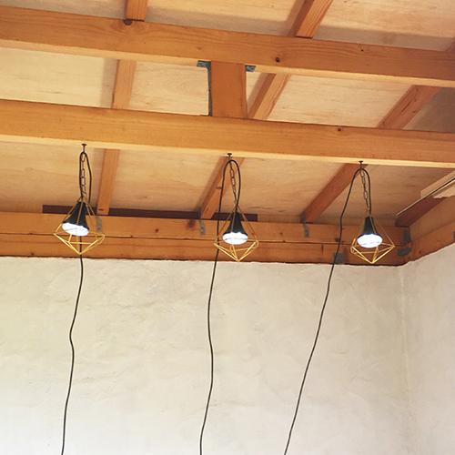一人で作るブロック小屋⑯ ~小屋のソーラー照明~⑧