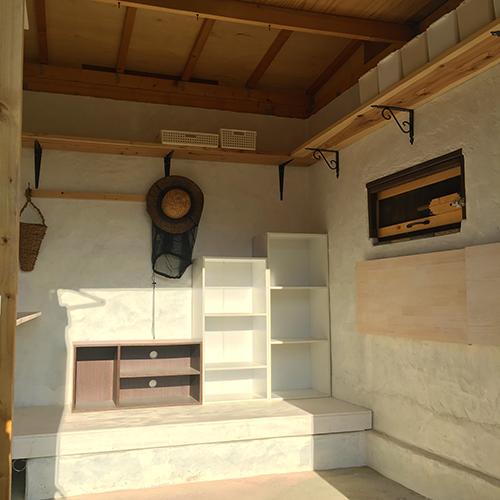 一人で作るブロック小屋⑱ ~棚を取り付ける~⑪