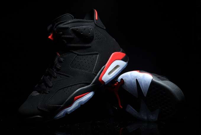 Air-Jordan-6-Black-Infrared-384664-060-2019-4.jpg