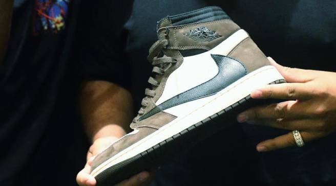 dj-khaled-air-jordan-1-travis-scott.jpg