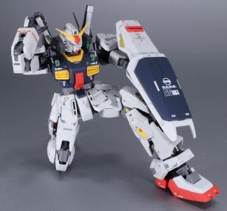 RG ガンダムMk-II エゥーゴ仕様 (2)