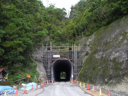 槻木峠トンネル05