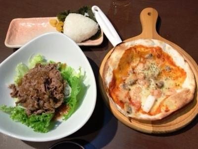 180624志なのすけ心斎橋店牛肉サラダとシーフードピザ300円