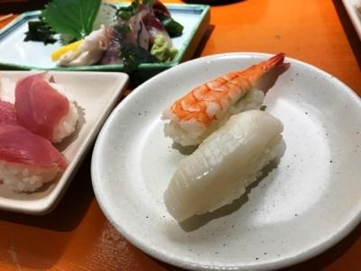 181016名前のない寿司屋いか1貫80円、えび1貫120円
