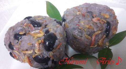 黒豆ご飯桜えびのおむすびブログ用