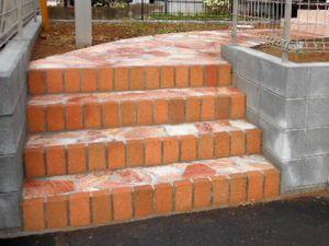 レンガ階段b
