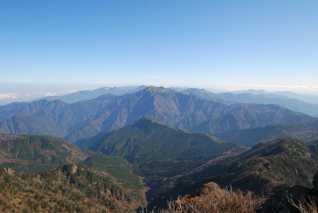 天狗岳から瓶ヶ森方面の眺め_UFOライン