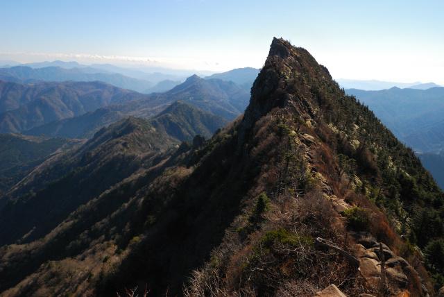 弥山と天狗岳の稜線