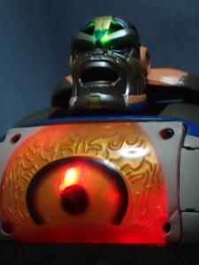 トランスフォーマー TFアンコール リターンズ コンボイ ロボットモード (21)