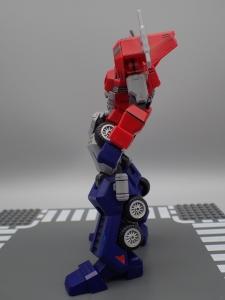 Flame Toys 風雷模型 トランスフォーマー オプティマス・プライム (12)
