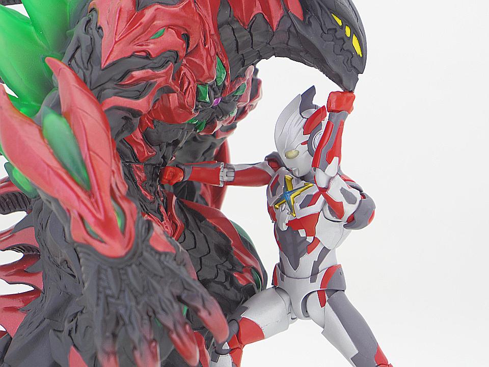 SHF ウルトラマンX48