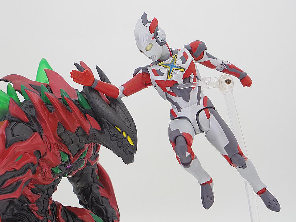 SHF ウルトラマンX45