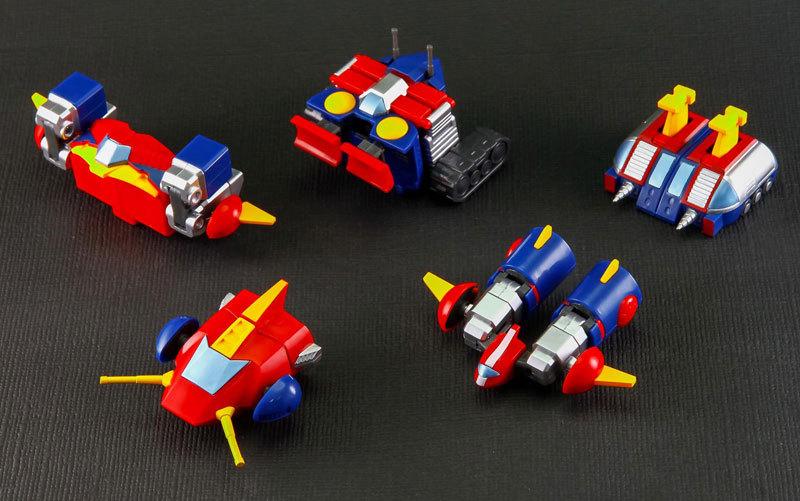 MINI DEFORMED シリーズ 超電磁ロボ コン・バトラーV FIGURE-042912_03