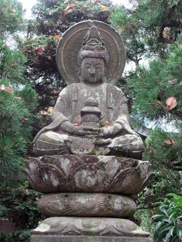 雨乞い弥勒座像