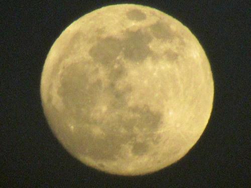 100倍望遠で撮ったお月様