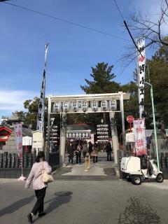 別小江神社の門前