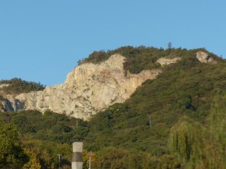イサム ノグチ 庭園美術館 前からの風景 2