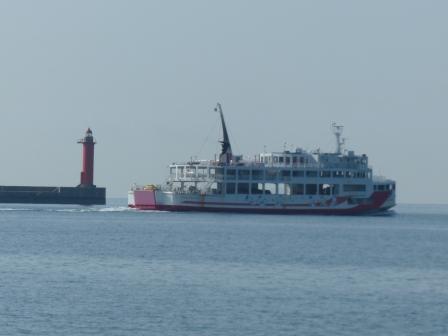 灯台とフェリー