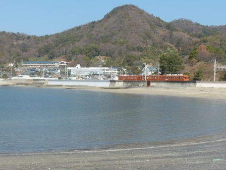 伊予鉄道・郊外電車 5 海と